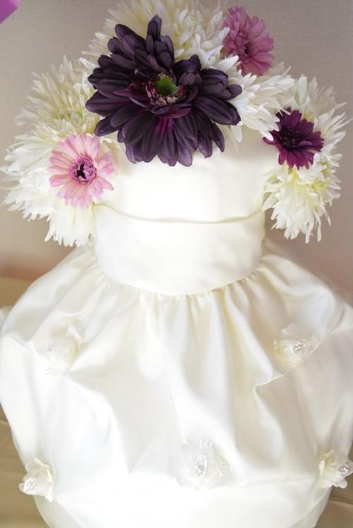 出産祝やベビーシャワーのプレゼントに♥おむつケーキの上にベビードレスをあしらったDress diaper cake!