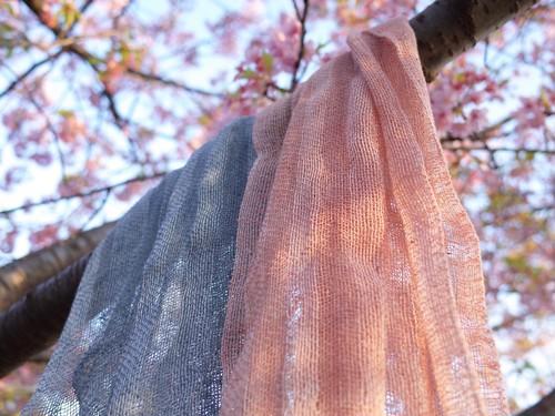 手染め手織りのかろやかなストール