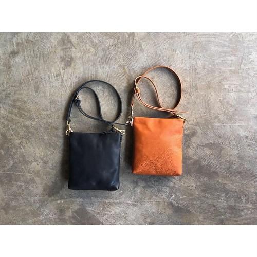 SLOW (スロウ) Bono-Pouch Shoulder Bag