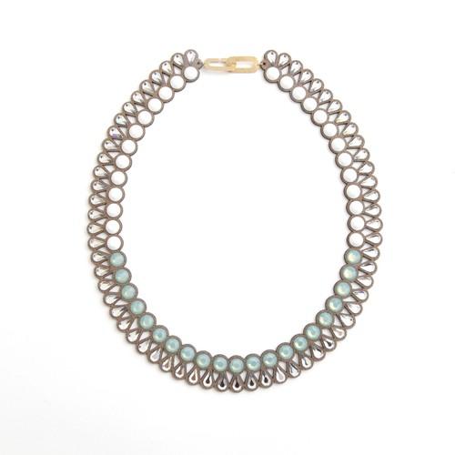 talkative Banquet/Banquet bijou necklace round&teadrop Chalk white