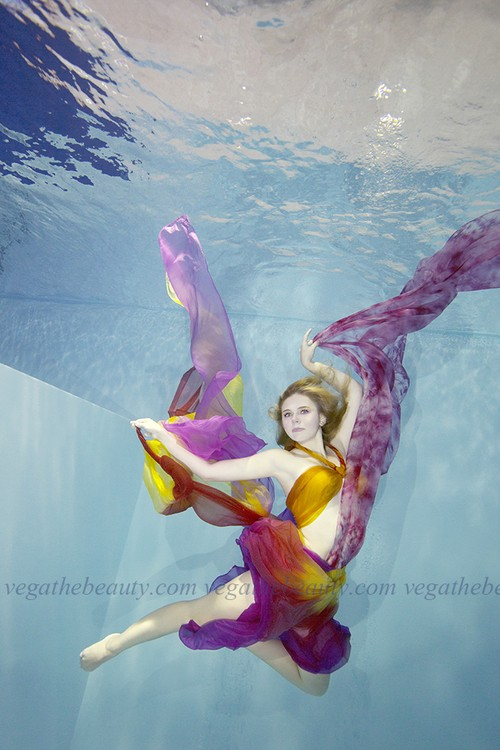 Expansion, Goddess of Rainbow [Size: A2] Acrylic-coated photo Thematic art in home decoration Goddess in a gorgeous gown