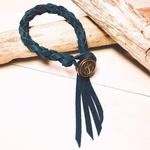 Marine concho bracelet (Navy × Moss green)
