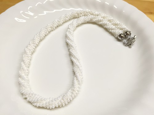 パールが可愛い♬ビーズ編みネックレス