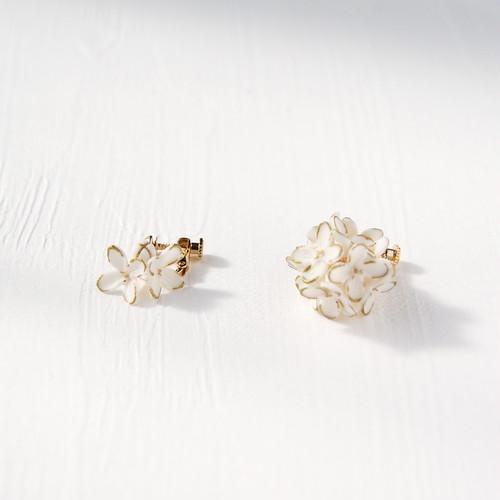 Oriana Earrings - Metallic edge finish