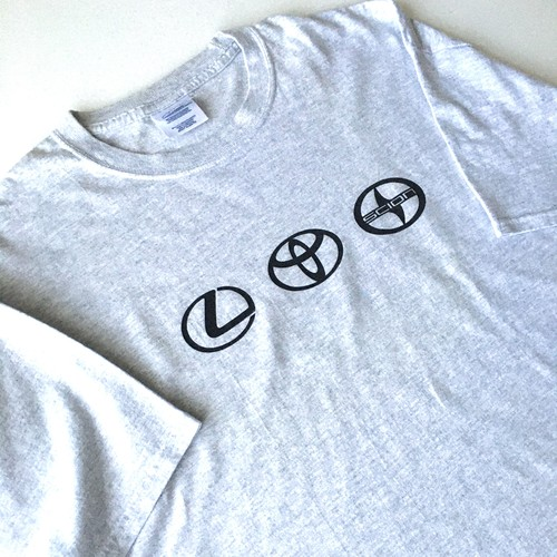PORT and COMPANY : 「TOYOTA BRANDS」 logo print Tee (used)