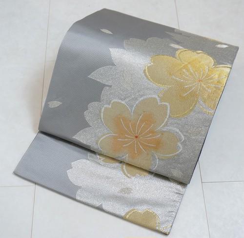 桜 金通し 振袖 袋帯 金銀糸 グレー 紫 243