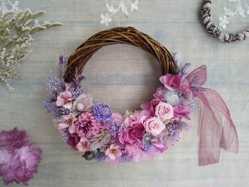 Lune Bonheur<Ponpon Pink>*ハーフムーンリース*プリザーブドフラワー*お花*ギフト*結婚祝い*新築祝い*お誕生日祝い*ウェディング*春の新作