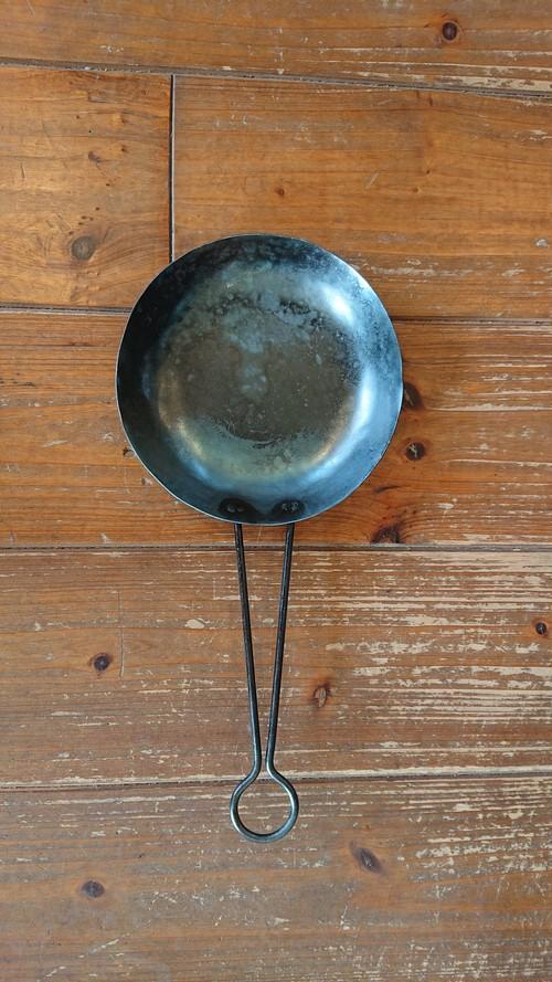 石川県の鉄職人が作ったフライパン小