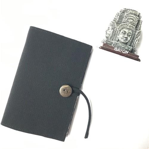 パスポートカバー ブラック<カンボジアから世界へ>