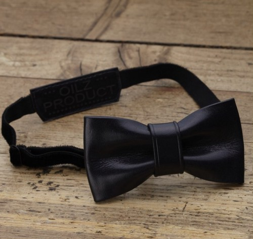 OILZ lether bowtie saddle black