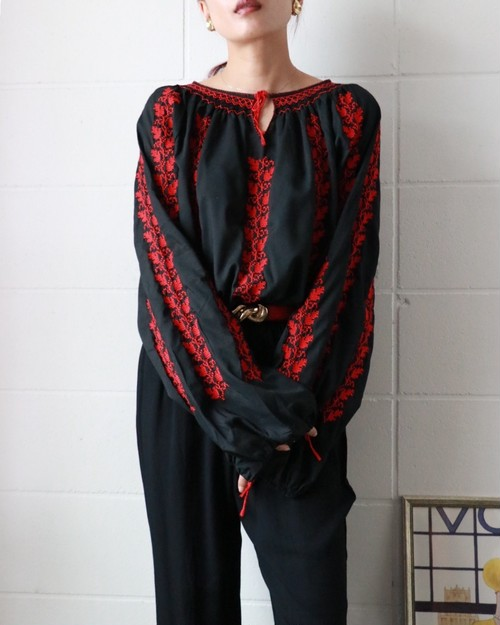 70s hand embroidered smoke blouse