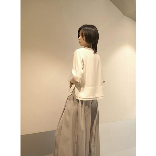 Vネックルーズブラックホワイトシャツ シルク ILIAD2717482