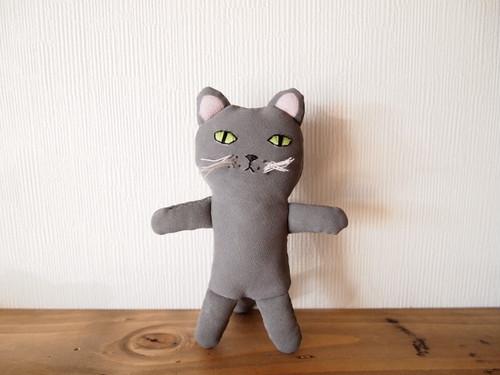 グレー猫人形