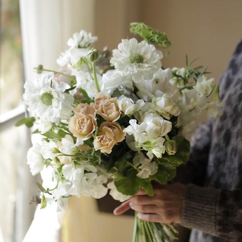 白花ウェディングブーケ
