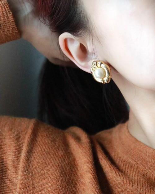 dead stock pearl earrings