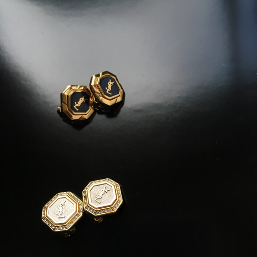 ❶Yves Saint Laurent nevy×gold earrings  ❷Yves Saint Laurent line stone earrings