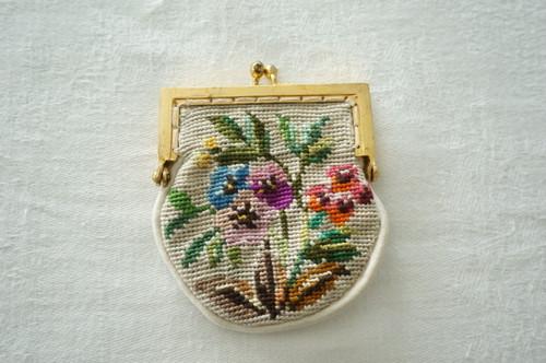 刺繍 財布
