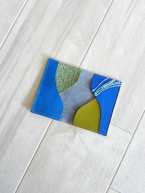 ブルーレザーと刺繍 カードケース 本革 レザー 名刺入れ スエード スモーク ブルー