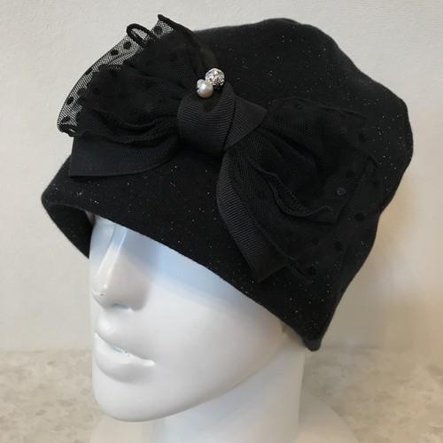 キラキラボールとコットンパール、ドットチュールリボンのケア帽子 ラメ黒