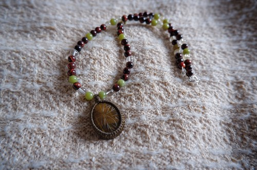 Beads Necklace with Flower Tiger Eye