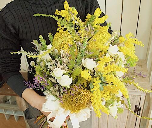 G0513) ミモザのクラッチブーケ (生花)