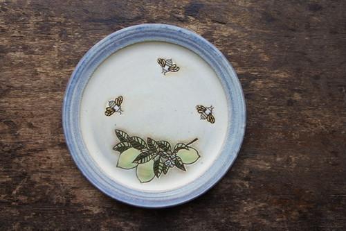 pottecu / リムプレートL 檸檬と蜜蜂(カラー)