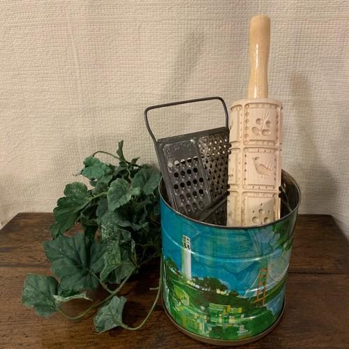可愛らしい絵柄のブリキ缶 ヴィンテージ アメリカで出会ったTIN缶