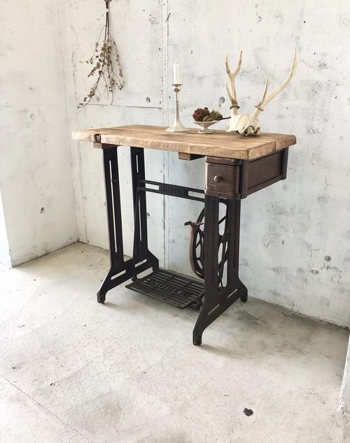 古材×SINGERミシン脚のテーブル[古家具]