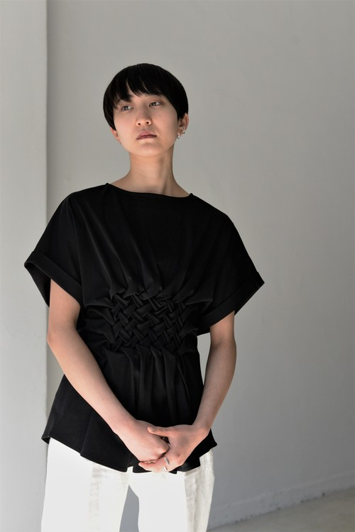 Create Clair / Smocking cut pullover (black)