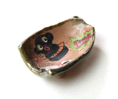 現代陶芸織部.Festival..お祭り織部のアニメ皿.cute ceramics.contemporary art ceramic