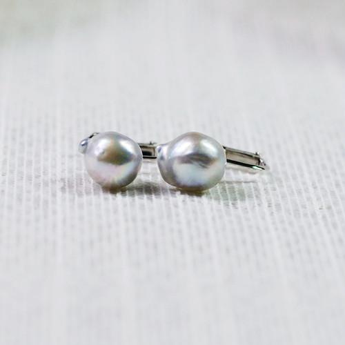 ペア珠探すの難しいナチュラル9㎜UPバロック真珠のイヤリング【あこや真珠】E-1927D