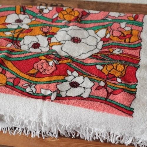 ドイツ ヴィンテージ レトロな花柄タオル ピンク