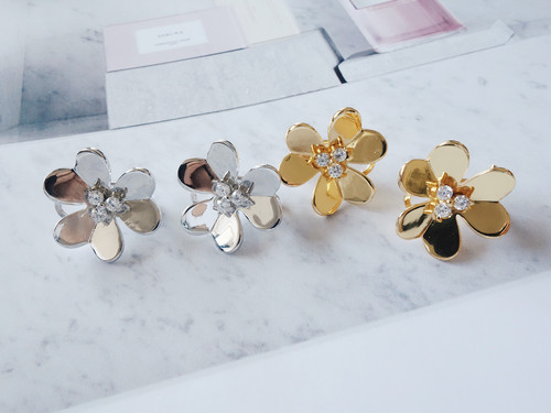 metal flower pierce