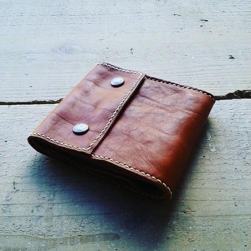 手縫い二つ折り財布(キャメル)