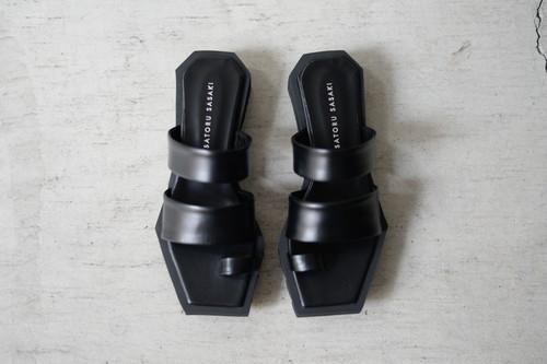 SATORU SASAKI / Square toe sandals (black)