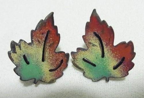 ヴィンテージ 銅にエナメルの紅葉のイヤリング 1314E