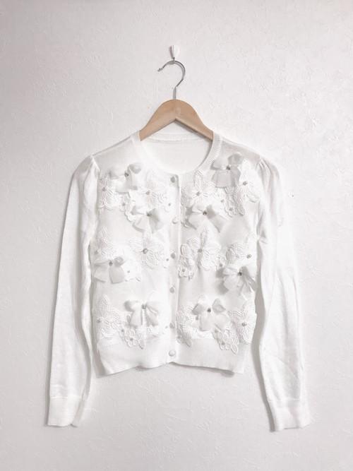 リボンとお花のパール付き上品カーディガン ホワイト