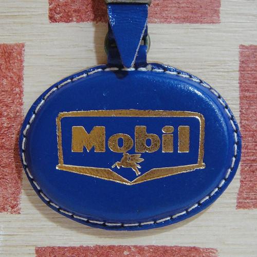 アメリカ Mobill[モービル] ガソリンスタンド ペガサス フランスキーホルダー