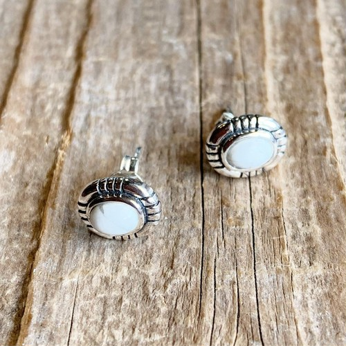 Howlite oval earrings