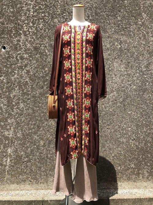 ethnic embroidery slit dress