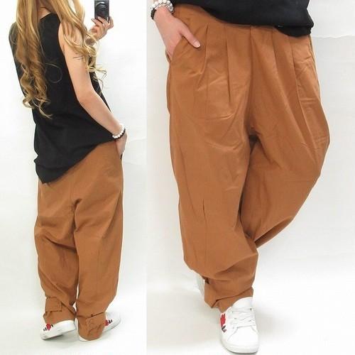 ラフカジ Wideパンツ 裾釦 ゆったりパンツ キャメル
