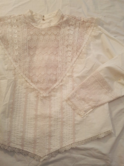 USED BIG LACE BLOUSE