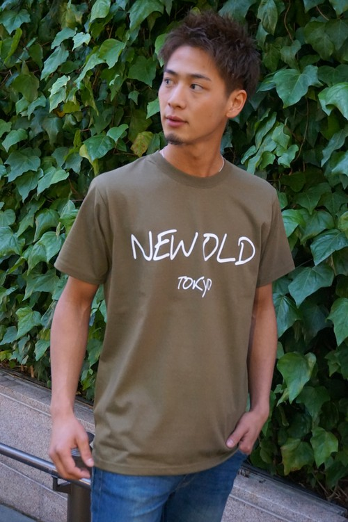 SIMPLE LOGO TEE《KHAKI×WHITE》