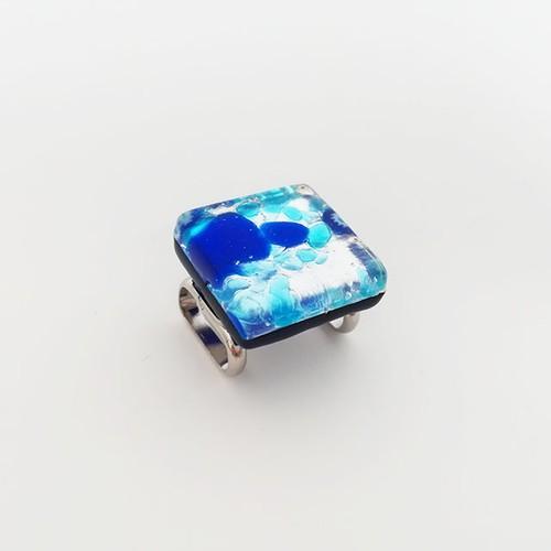 ベネチアングラスの帯留め(青×水色)