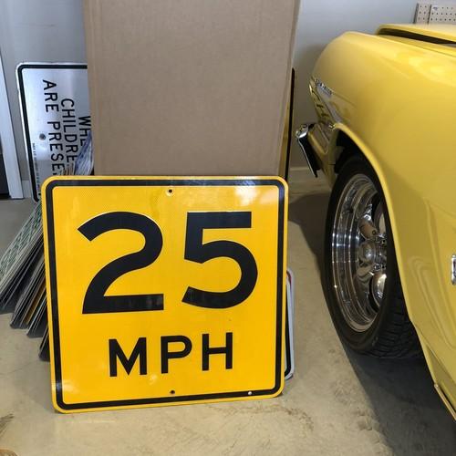 25MPH アメリカンロードサイン トラフィックサイン 道路標識
