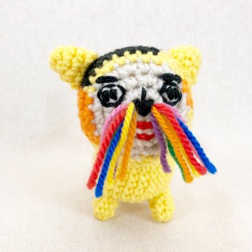 音の鳴る、ブサカワ編みぐるみ「三毛猫2」