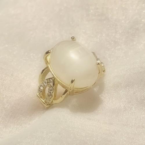 vintage ring -snow-