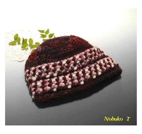 フォークロア調のニット帽子(ワインレッド/ピンクローズ)