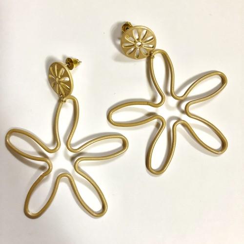 no.205 gold line flower