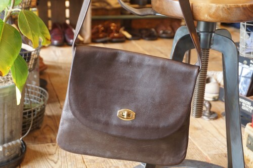 70's hand-crafted leather shoulder Bag